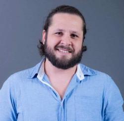 Carlos Eduardo Siqueira