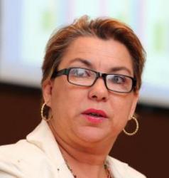 Vanessa Petrelli Corrêa