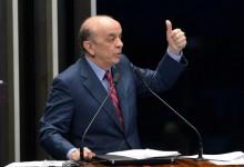 Senador José Serra fala no Plenário do Senado durante sessão temática sobre o projeto de sua autoria que libera a Petrobras da função de operadora única do pré-sal (PLS 131/2015) (Fabio Rodrigues Pozzebom/Agência Brasil)